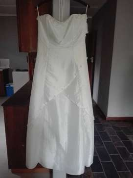 Wedding Dress 8/10