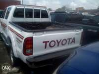 Toyota hilux for grabs 0