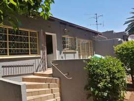 Bargain House!! 8 Roomed House next to UJ main Campus(5 min away)