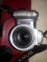 Продам цифровой профессиональный фотоаппарат-кинокамеру SONY