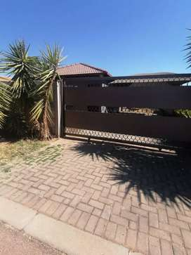 Beautiful 2 bedroom home available for rent in Rosslyn gardens