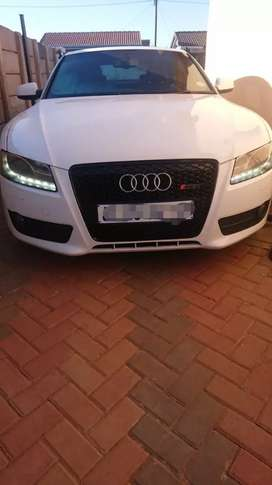 Audi A5 Honeycomb Grills from Standard Conversion