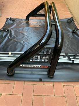 Toyota Hilux GD6 Roll Bar and Tonneau Cover