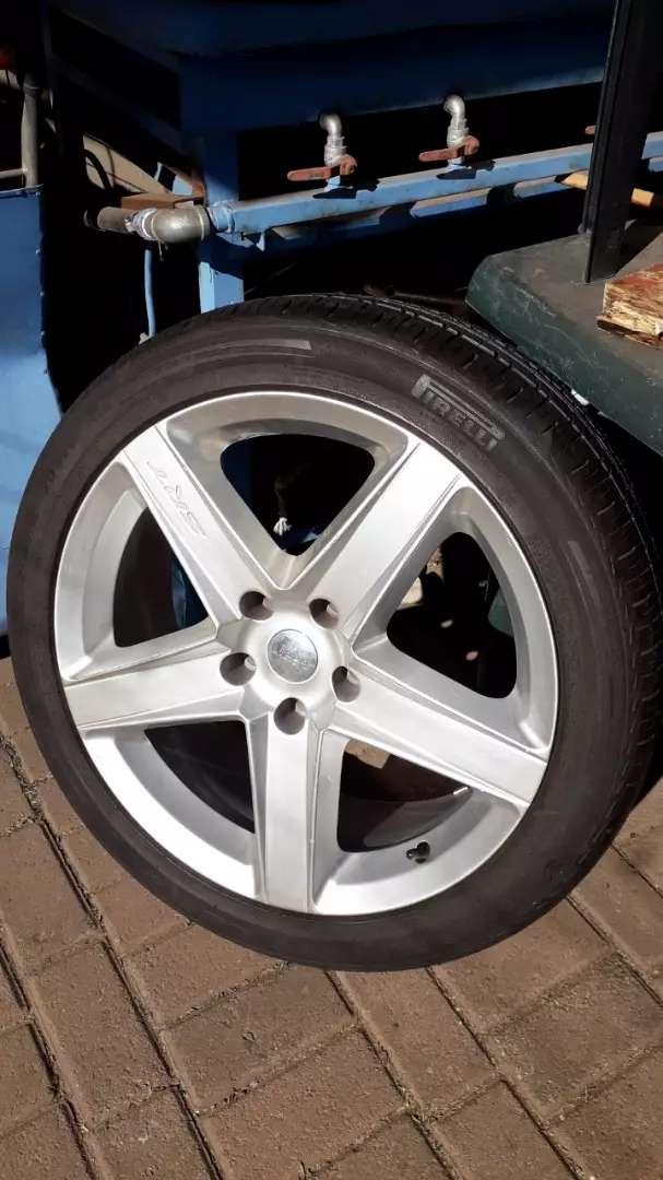 Jeep tyre and rim