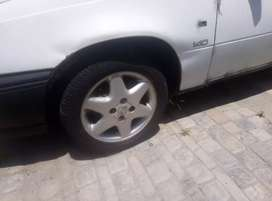 Opel Astra (5 star original) ×4 with tyres(95% thread)