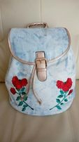 Jeansowy plecak worek naszywki róże