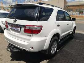 2010 Toyota Fortuner 3.0D 4D 4x4 Manual 98,000km R188,000