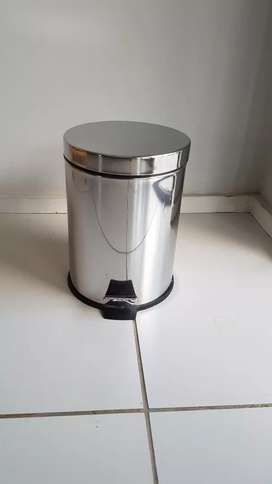 Small stainless steel dustbin
