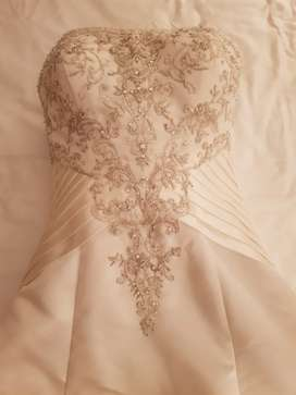 Wedding dress size 34
