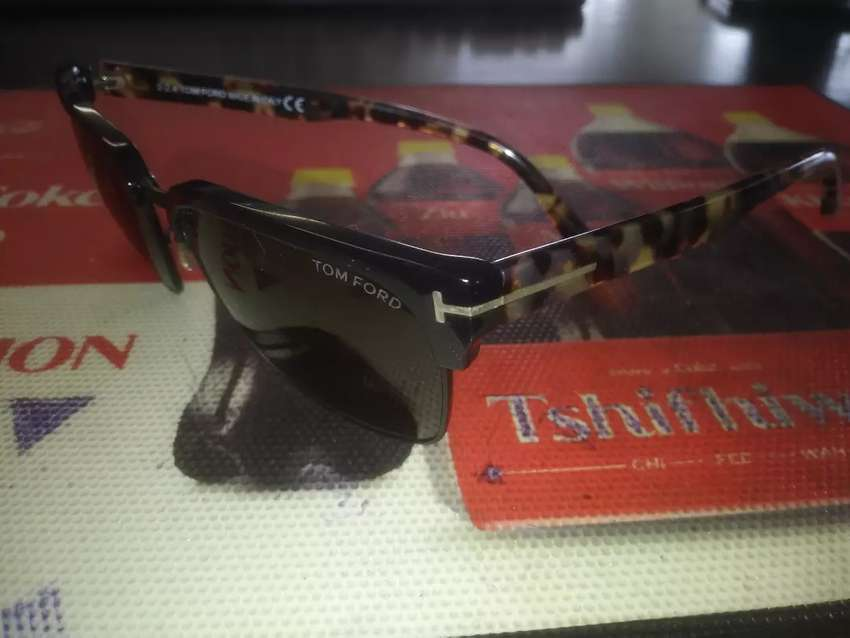 TomFord authentic glasses new condition with its 9ct frame 0