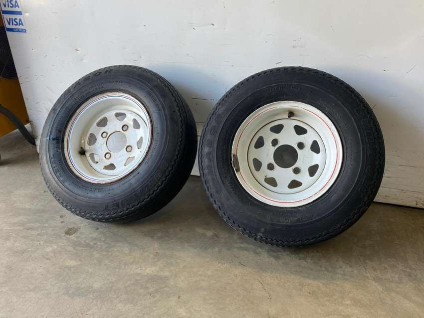 "10"" trailer rim and tyre"