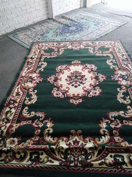 2 carpets for R800 in very good condition 1