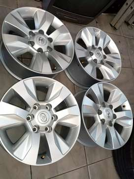 "17""Toyota hilux mag wheels only for r4800."