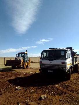 TLB MACHINE AND TIPPER TRUCKS FOR HIRE.