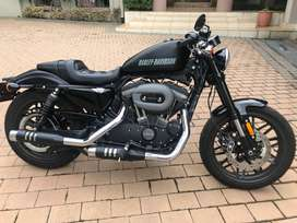 Harley Roadster 1200 cc (Almost new)