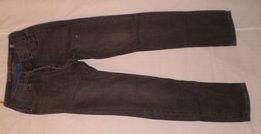 Продам джинсы на подростка серые