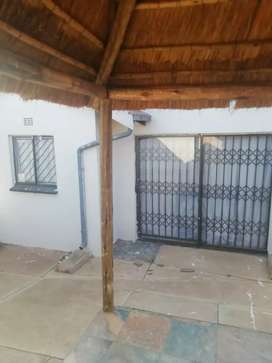 House to rent Mndeni ext