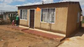 House for sale in Daveyton
