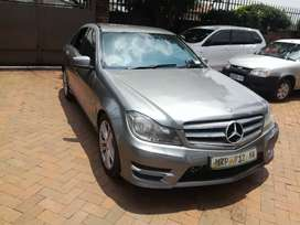 2011 Mercedes-Benz C200 Automatic leather interior immaculate conditio