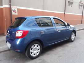 Renault sandero R73,000 negotiable