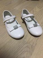 Туфельки нарядные натуральная кожа лак.белые 28 р
