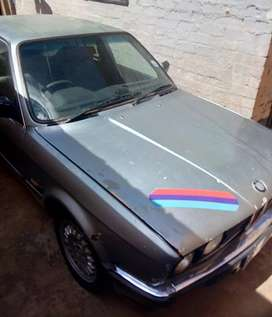 BMW M10 for sale or exchange .negotiable cash