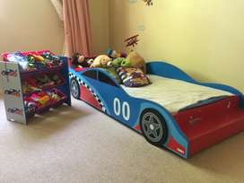 Toddlers bed with storage box
