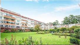 Big bedroom in spacious Illovo apartment to share