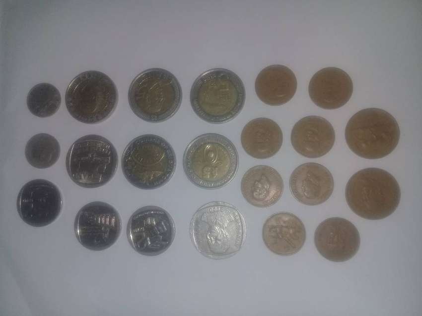 Old and New coins for Sale : Mandela R5 - 2000 & 2008, 5cent  - 1965 0