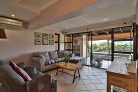 4 Bedroom and 2 bathroom townhouse situated in the beautiful town of S