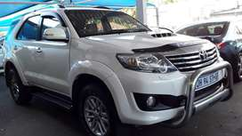 TOYOTA FORTUNER D4D 5.0 AUTOMATIC SERVICE BOOK