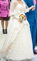 Свадебное платье Laura Style с двухъярусной фатой в пол