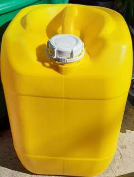 20 litre used plastic containers
