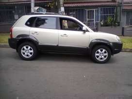 2005 Hyundai Tucson, leather interior, 105,000km, manual, engine 2.0