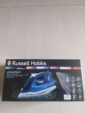Russel Hobbs ULTRASTEAM IRON for sale R300 brand new in the box.