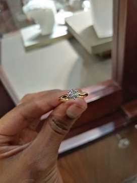 0.75 ct Protea Browns diamond ring Set in a 18ct yellow gold