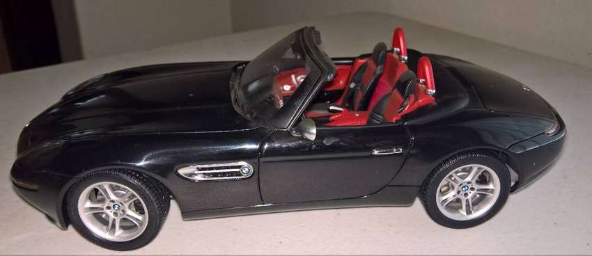 BMW 1:18 scale model cars for sale