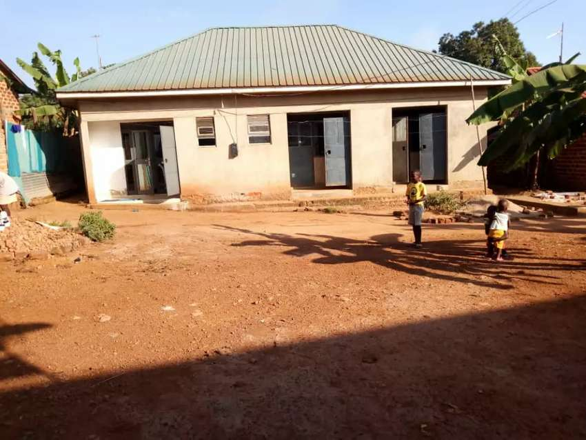 Rentals on sell in Kawuku Entebbe road 0