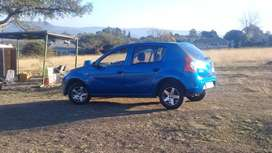 Selling my sandero clean  neat very lite on fuel starts and go
