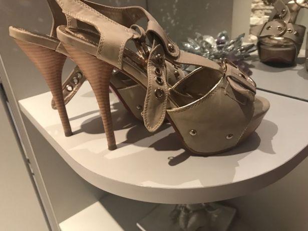 Buty 37 sandały Chorzów - image 2