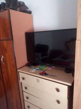 """DIXON 32"""" DLED HD READY TV FOR SALE"""