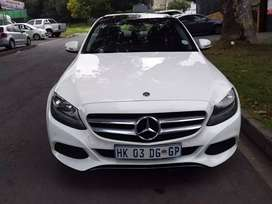 2018 MERCEDES Benz C180 with leather seats and Sunroof