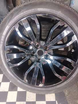 One New mags wheel and tyres for Range Rover 21inch now available