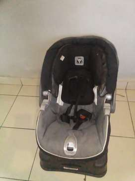 Car seat for sale R650