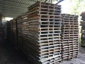 WOODEN PALLETS R70 EACH CAN DELIVER