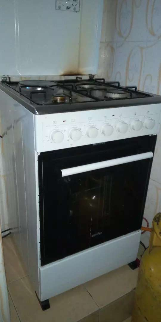 Cooker and fridge 0