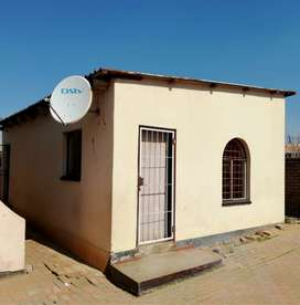 2 x Rooms for Rent - Mohlakeng
