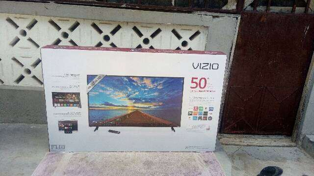 "VIZIO 50"" 4k ULTRA HD Smart LED TV. 0"
