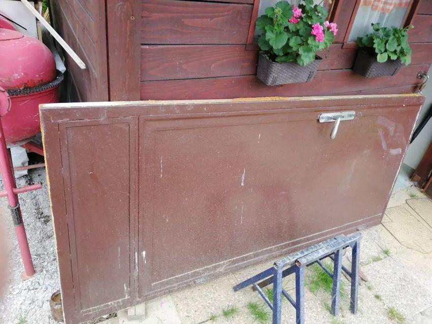 Prodam kovinska vrata 0