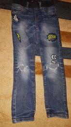 Spodnie jeans rozm. 122. Firma Lindex. W pasie gumka